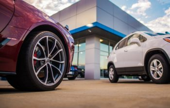 Choosing the Right Extended Vehicle Service Contract Provider